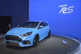 blue 2 ford focus rs brightens up its paint for production by car