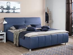 Schlafzimmer In Blau Braun Bettgestell Vito Pallas In Blau Stoff Von Vito Und Schlafzimmer G