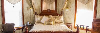 Victorian Canopy Bed Guest Rooms Madison Wi Bed And Breakfast Victorian Dreams B U0026b