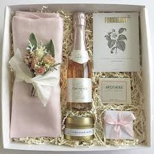 wedding gift gold best 25 bridesmaid gift boxes ideas on brides