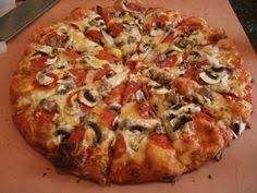 round table pizza keizer oregon a college staple scu students often take advantage of deals from