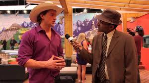 murtz jaffer interviews emmett blois in backyard at big brother