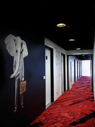 Rethinking Your Impression Of Wall Murals These Dramatic Hallways Will Make A Lasting Impression On Your Guests