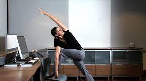 exercice au bureau top des exercices physiques à faire au bureau