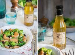 cuisine brocolis salade de brocolis poulet pané et canneberges séchées jujube en
