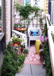 blumentã pfe fã r balkon wohnzimmerz balkon teppich with der outdoorteppich trend fã r