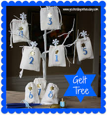 Chanukah Gifts Hanukkah Gift Ideas To Diy Or To Buy Moms And Crafters