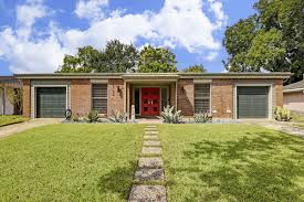 Home Decor In Houston Restored Midcentury Home Wants 425k In Houston Curbed