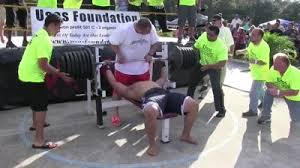World Bench Press Record This Man Tried To Break The World Record Bench Press But Failed