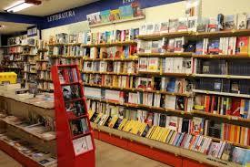 mondadori librerie chiude la libreria mondadori affondati da troppa concorrenza