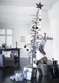 scandinavian christmas tree decor ideas