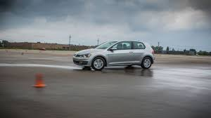volkswagen bora 2016 what u0027s that smell vw recalls 281 000 vehicles for fuel leaks