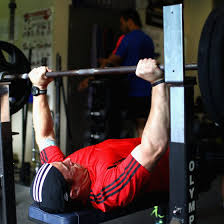 Bench Press Wide Or Narrow Grip How To Bulk Up Your Lower Triceps Healthy Living