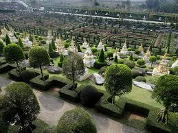 images of beautiful gardens 10 of the most beautiful gardens around the world oyster com