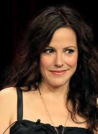 blacklist terrible hair and makeup mary louise parker what have you done to your face the non blonde