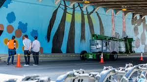 new mural brightens lake shore drive underpass chicago tonight new mural brightens lake shore drive underpass