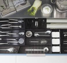 tiroir de cuisine sur mesure aménagement de tiroir cuisine sur mesure perene ambiances