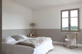 de quelle couleur peindre sa chambre peindre une chambre en deux couleurs avec quelle couleur pour