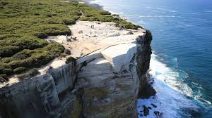 wedding cake rock australia s wedding cake rock may collapse into the sea cnn travel