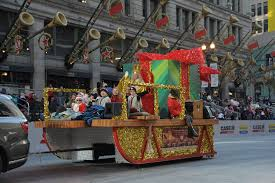 thanksgiving day parade in chicago christkindlmarket chicago mcdonald u0027s thanksgiving parade