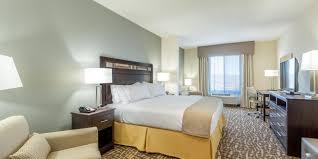 hotels with 2 bedroom suites in denver co holiday inn express suites denver south castle rock hotel by ihg