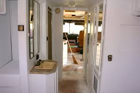 Spray Painting Interior Doors How To Spray Paint The Interior Of Your Rv In 13 Pictures Rv