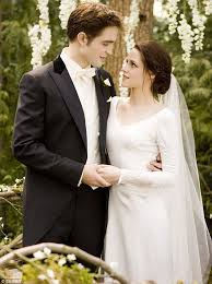swan s wedding dress twilight breaking swan s stunning twilight wedding
