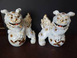 images of foo dogs pair of foo dogs toyo porcelain with sticker in putnam county