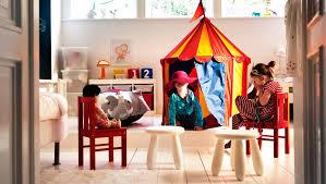 jeux de amoure dans la chambre chapiteau et chaises enfant dans une salle de jeu maison salle