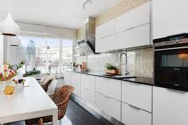 armoire en coin cuisine cuisine avec îlot central ou bar en 111 idées merveilleuses