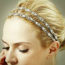 the 5 prettiest wedding hair accessories on etsy right now which