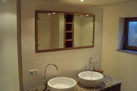 holz in badezimmer badezimmer spiegelschrank holz haus billybullock us