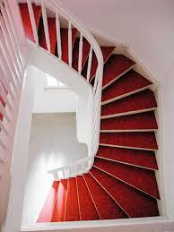 weiãÿe treppe weiße treppe mit rotem linoleum by daniel beutler treppenbau homify