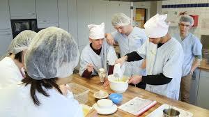 formation professionnelle cuisine cours faire la cuisine 4k stock 187 114