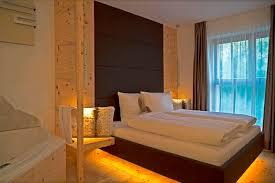 whirlpool im schlafzimmer luxus ferienwohnung südtirol mit sauna whirlpool home entertainment