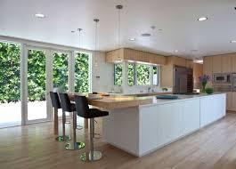 cuisine blanche avec ilot central cuisine grand ilot en image de