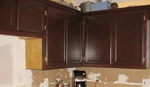 Restain Oak Kitchen Cabinets Staining Oak Cabinets With Gel Stain Swanky Suburbia