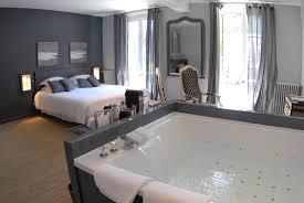 spa dans la chambre chambre domaine spa château hôtel domaine de joinville eu