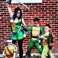 halloween costumes ideas for family of 3 halloween costume ideas for the family popsugar moms