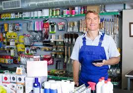 magasin article de bureau équipez le vendeur au bureau de salaire dans le magasin d articles