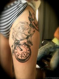 50 fantastic clock tattoos on thigh