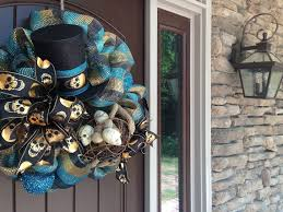 Halloween Wreath Supplies by Halloween Wreath With Mummy Hands Skull Nest U0026 Top Hat Trendy