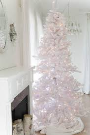 white tree with lights secrets and tips for decorating white christmas trees shabbyfufu com