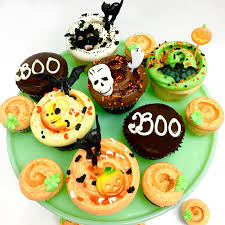 Halloween Cupcakes Cake by Classic Halloween Cupcakes 2 Full Size And Mini Jpg900