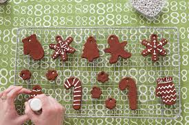 easy last minute diy decor cinnamon houses ornaments