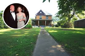 Silence Of The Lambs Bathtub Silence Of The Lambs House Is For Sale Celebrity Trulia Blog