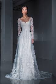lace wedding gown best 25 lace sleeve wedding dress ideas on
