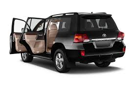 toyota cruiser refreshed toyota land cruiser debuts in japan