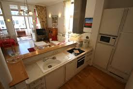 küche im wohnzimmer offene küche im wohnzimmer atemberaubende auf ideen zusammen mit 14