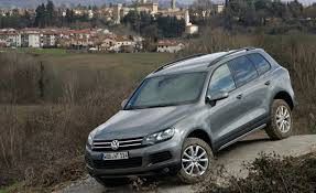 volkswagen touareg interior 2015 2011 volkswagen touareg tdi test u2013 reviews u2013 car and driver
